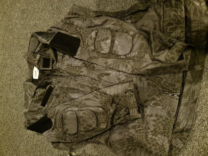 Bild för varan: Snake Camouflage jacka XL svart