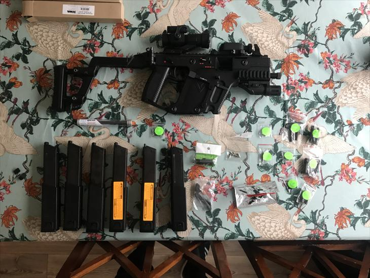 (SOLD) KWA Kriss Vector + 6 Magazines + Rare Hephaestus Recoil Kit + Rare Maple Leaf Hopup and Barrel + Loads of Parts