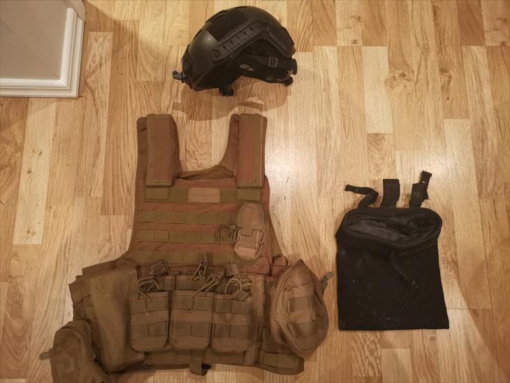Bild för varan:  Plate Carrier, Hjälm och diverse fickor