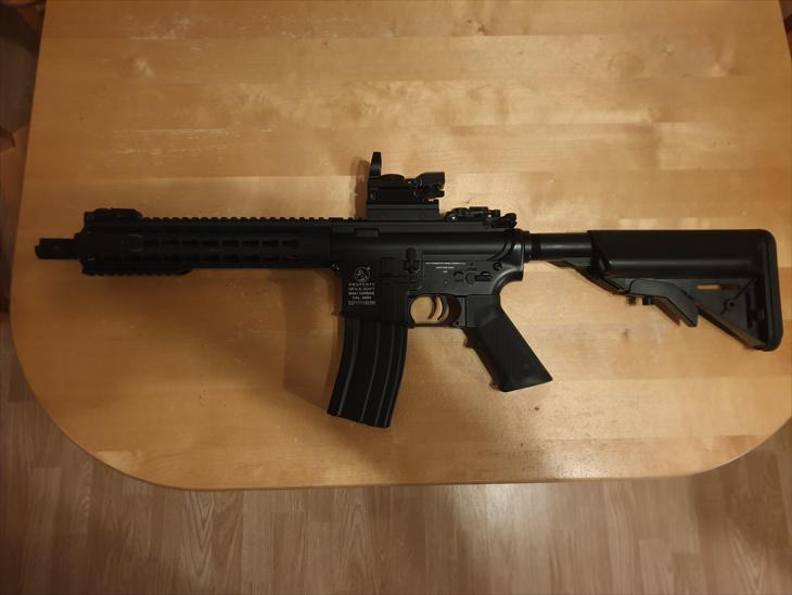 Bild för varan: COLT M4A1 METAL AEG CQB KEYMOD