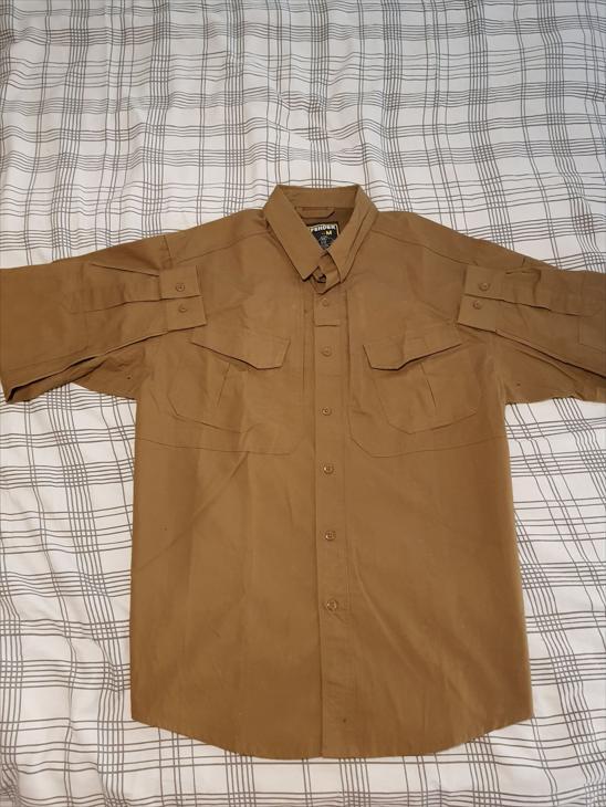Bild för varan: Defender Shirt CB size M